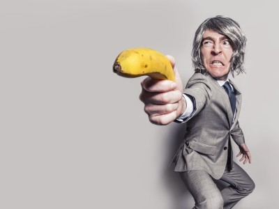 WAYS TO DEALING WITH ANGRY CUSTOMERS